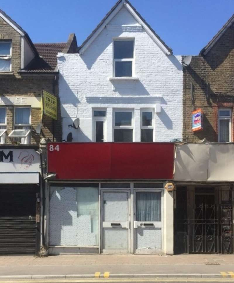 3 Bedrooms Terraced House for sale in Markhouse Road, Walthamstow, London, E17 8BG