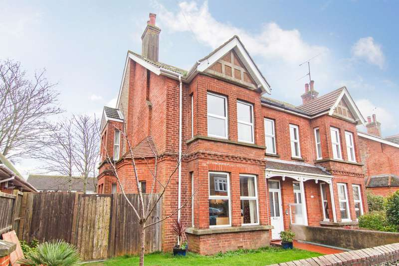 4 Bedrooms Semi Detached House for sale in Woodlea Road, Worthing, West Sussex, BN13 1BN