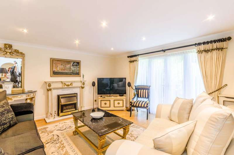 6 Bedrooms Detached House for sale in Radstock Close, Friern Barnet, N11