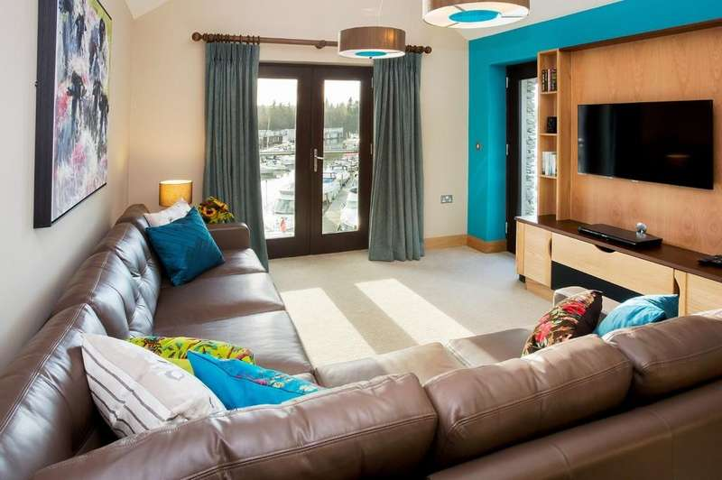 2 Bedrooms Apartment Flat for sale in 50 Windermere Apartments, Windermere Marina Village, Bowness On Windermere, Cumbria, LA23 3JQ