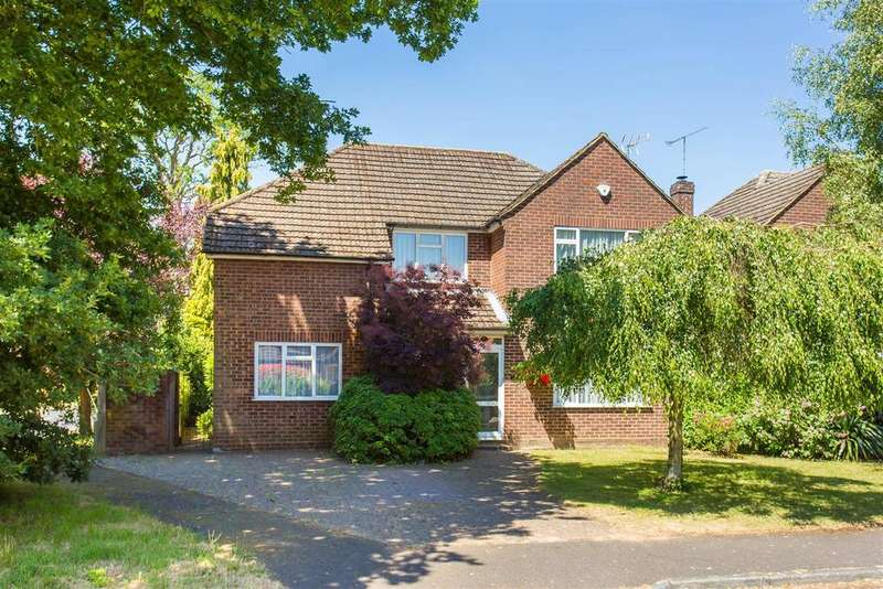 4 Bedrooms Detached House for sale in The Fairway, Flackwell Heath