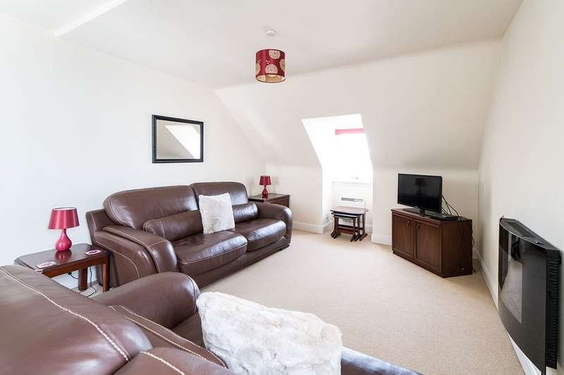 3 Bedrooms Flat for sale in Union Street, Dundee, DD1