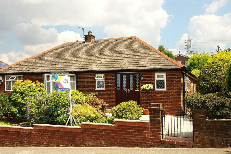 3 Bedrooms Detached Bungalow for sale in Chadderton Park Road