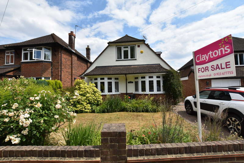 4 Bedrooms Detached House for sale in Woodside Road, Garston Watford