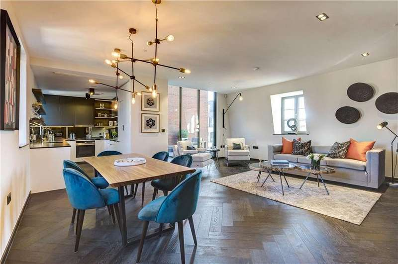 2 Bedrooms Penthouse Flat for sale in Poland Street, London, W1F