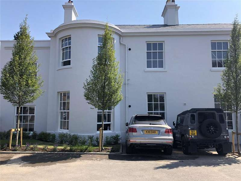 2 Bedrooms Flat for sale in Whitton House, Dee Hills Park, Chester, CH3