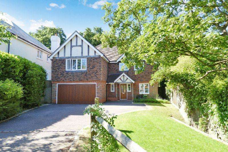 5 Bedrooms Detached House for sale in Springfields, Newick