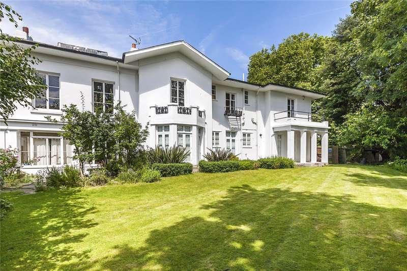 2 Bedrooms Flat for sale in Brooklands House, 20 Brooklands Park, London, SE3