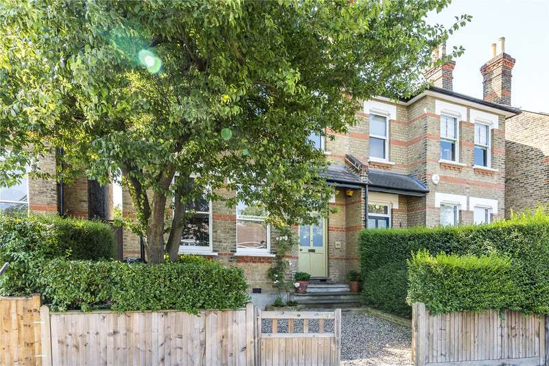 4 Bedrooms Semi Detached House for sale in Park Hall Road, London, SE21