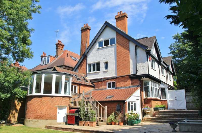 6 Bedrooms Detached House for sale in Surbiton