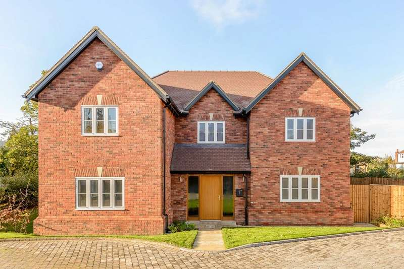 4 Bedrooms Detached House for sale in Langton Gate, Charlton Kings, Gloucestershire, GL52