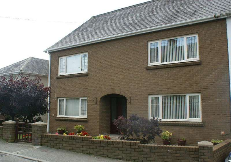 3 Bedrooms Semi Detached House for sale in Pencader, Carmarthenshire SA39