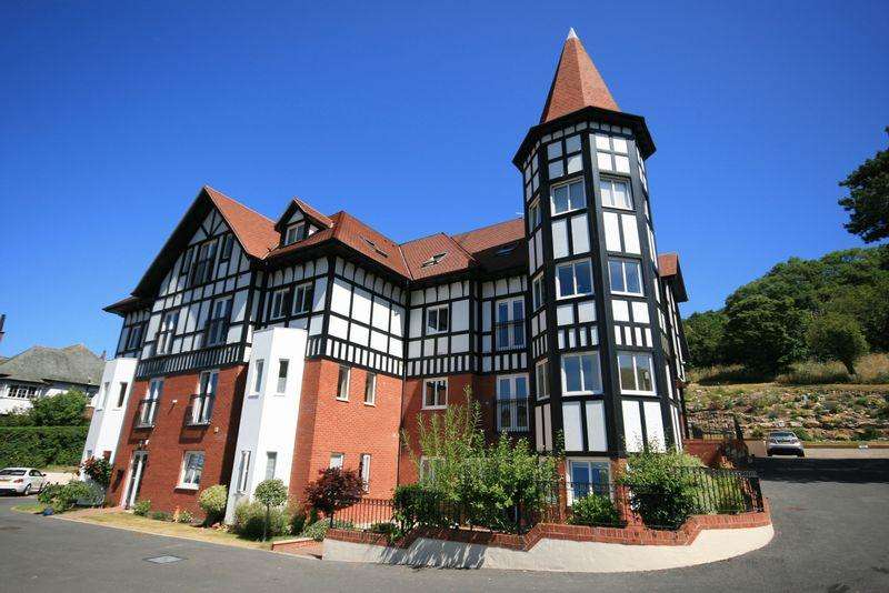 2 Bedrooms Apartment Flat for sale in Bryn Y Bia Road, Llandudno