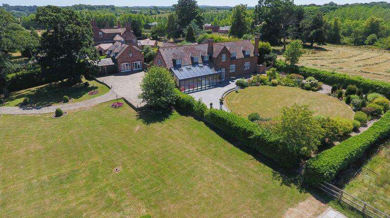 6 Bedrooms Detached House for sale in Country house with annex and 9 acres