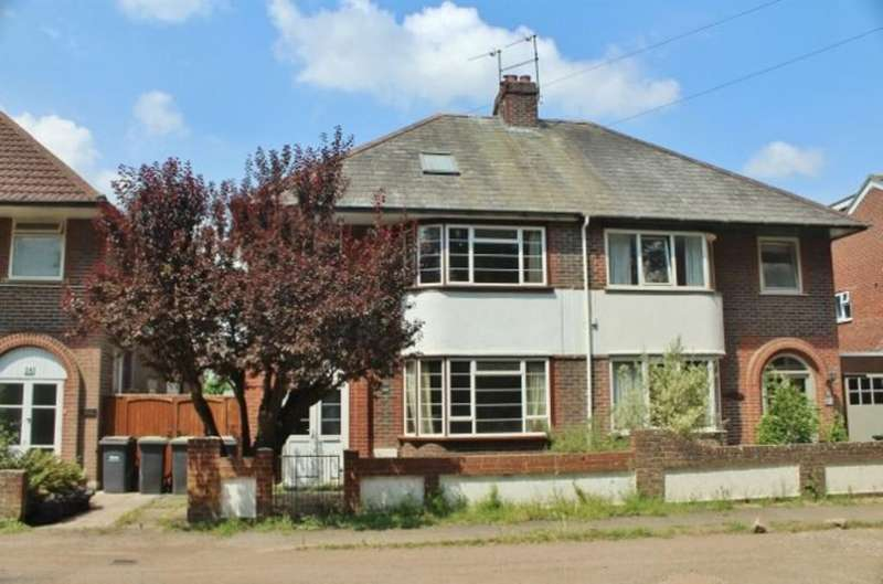 3 Bedrooms Semi Detached House for sale in Lower Grove Road, Havant