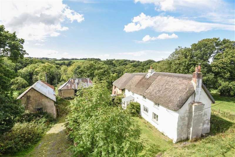 3 Bedrooms Detached House for sale in Hittisleigh, Exeter, Devon, EX6