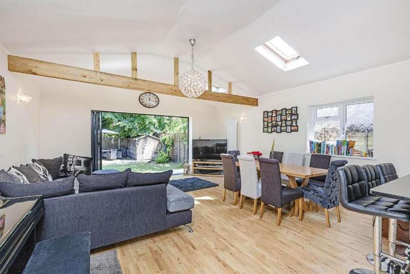 4 Bedrooms Semi Detached House for sale in Camberley Avenue, West Wimbledon