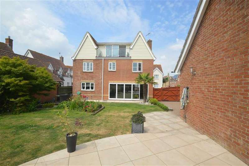5 Bedrooms Detached House for sale in Pemberton Fields, Rochford, Essex