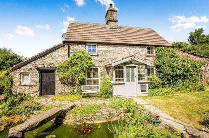 2 Bedrooms Detached House for sale in Pentre Llyn Cymmer, Cerrigydrudion, Corwen, Conwy, LL21