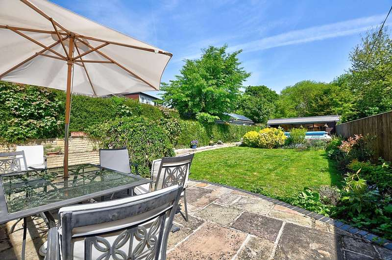 5 Bedrooms House for sale in Seymour Plain, Marlow - Town Outskirts With 1 Acre