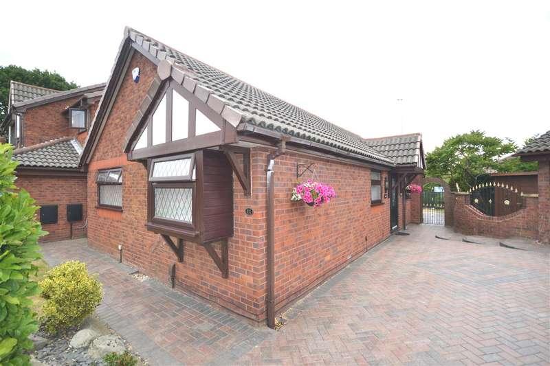 3 Bedrooms Detached Bungalow for sale in Aldcliffe, Lowton