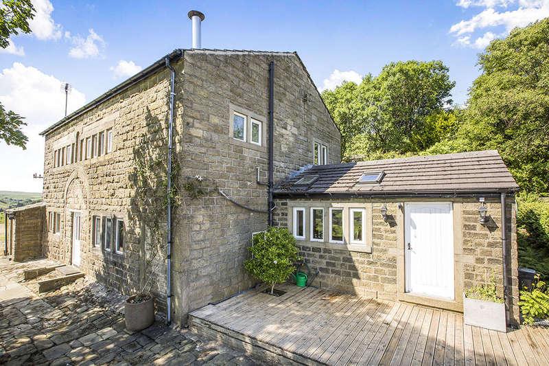5 Bedrooms Detached House for sale in Halstead Green, Hebden Bridge, HX7