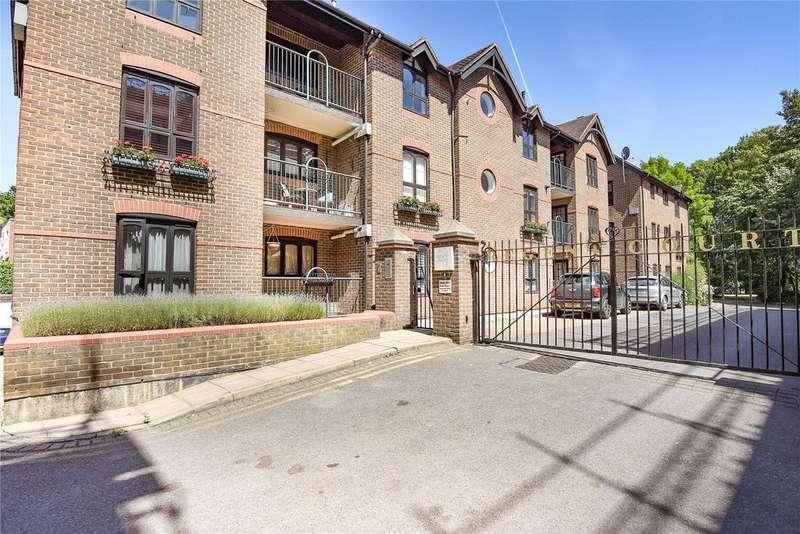2 Bedrooms Apartment Flat for sale in Regent Court, Sheet Street, Windsor, Berkshire, SL4