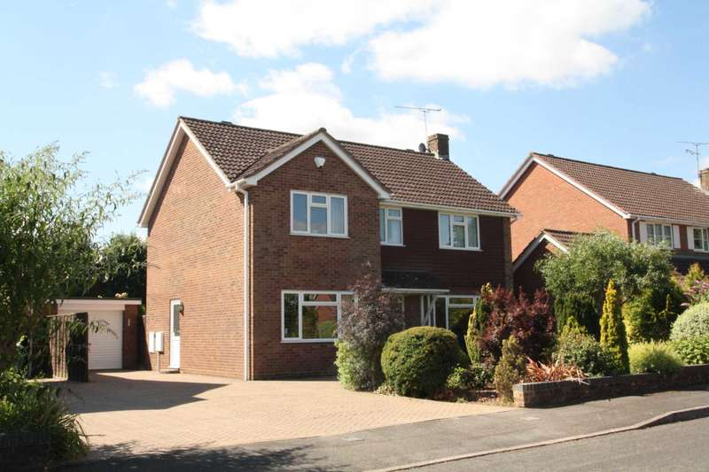4 Bedrooms Detached House for sale in Brackendale Way, Reading