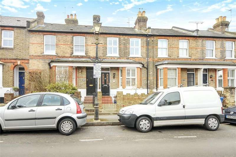2 Bedrooms Terraced House for sale in Oxford Road, Windsor, Berkshire, SL4