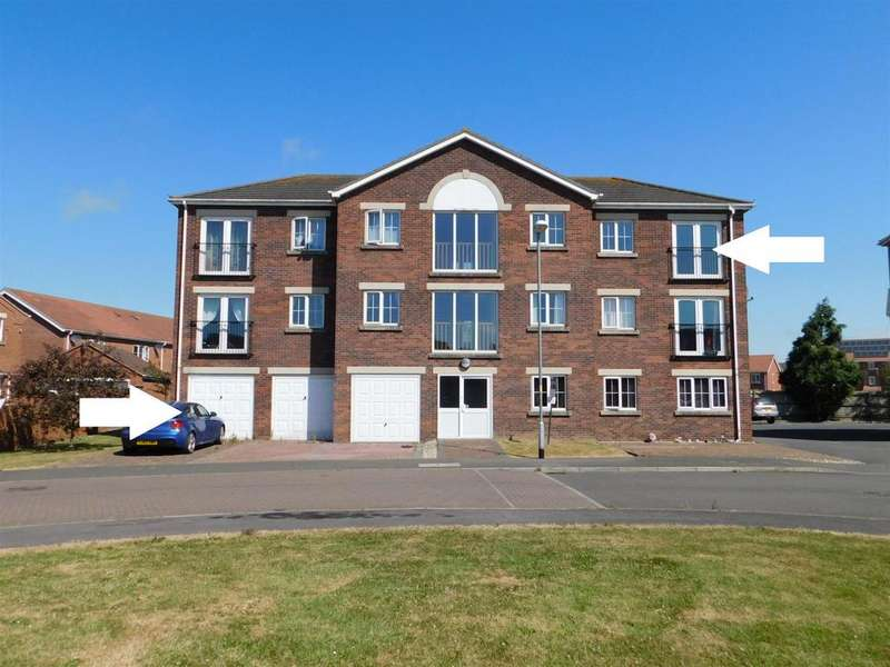 2 Bedrooms Flat for sale in Winston Drive, Skegness, Lincs, PE25 2RE