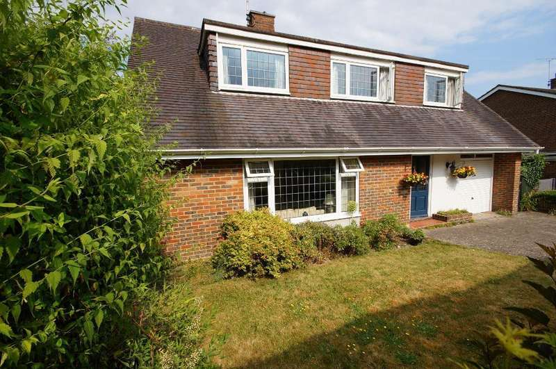 3 Bedrooms Detached House for sale in Coombe Drove, Steyning, BN44 3PW