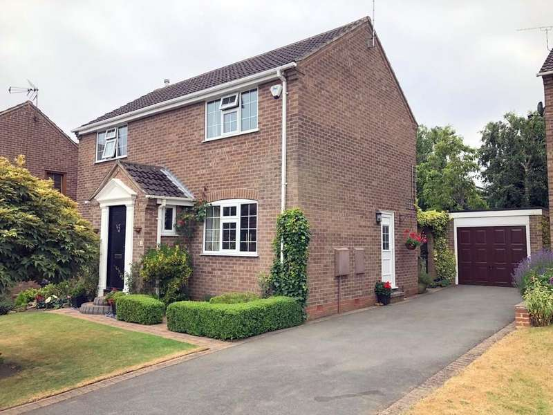 4 Bedrooms Detached House for sale in Foresters Road, Ripley