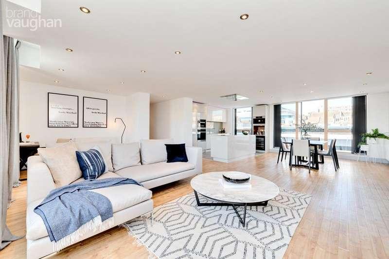 3 Bedrooms Flat for sale in Regent Street, Brighton, BN1