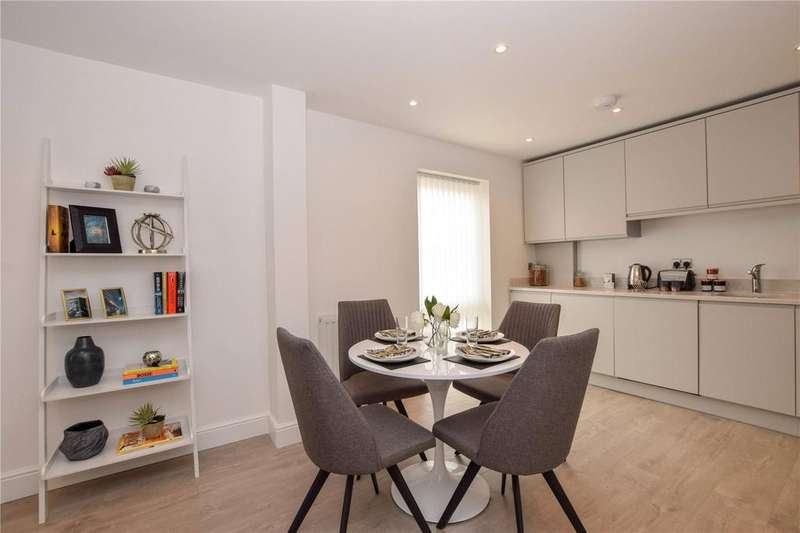 2 Bedrooms Apartment Flat for sale in Rosslyn Road, Watford, Hertfordshire, WD18
