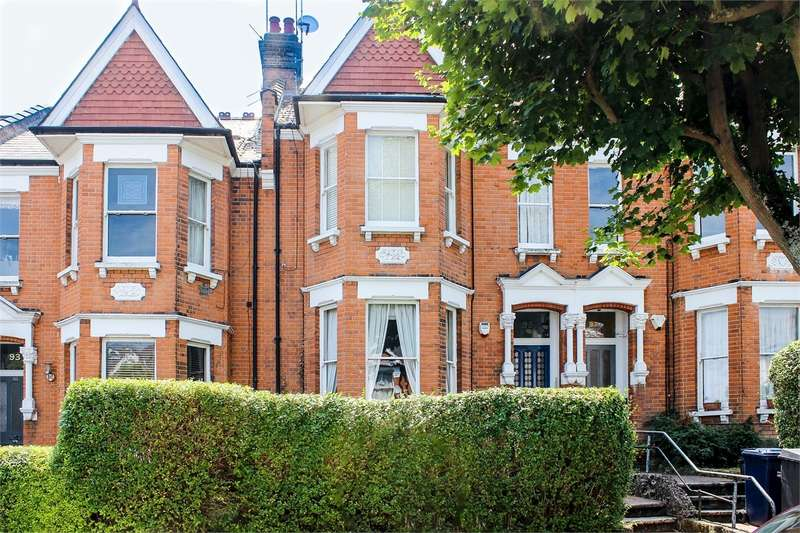2 Bedrooms Flat for sale in Sutton Road, Muswell Hill, London