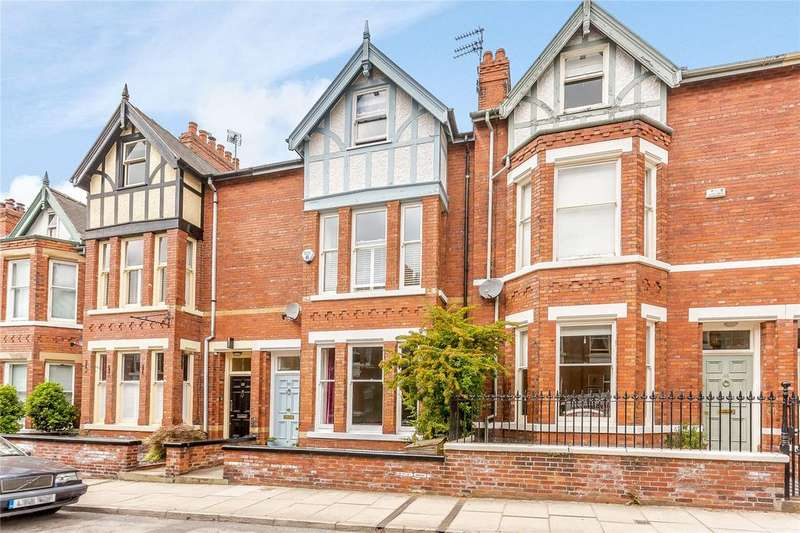 5 Bedrooms Terraced House for sale in Scarcroft Hill, York, YO24