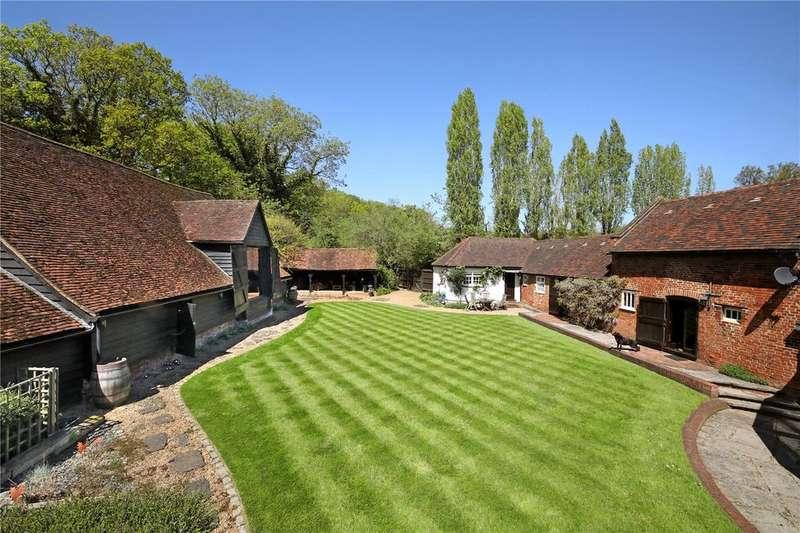 6 Bedrooms Detached House for sale in Newbarn Lane, Seer Green, Beaconsfield, Buckinghamshire, HP9