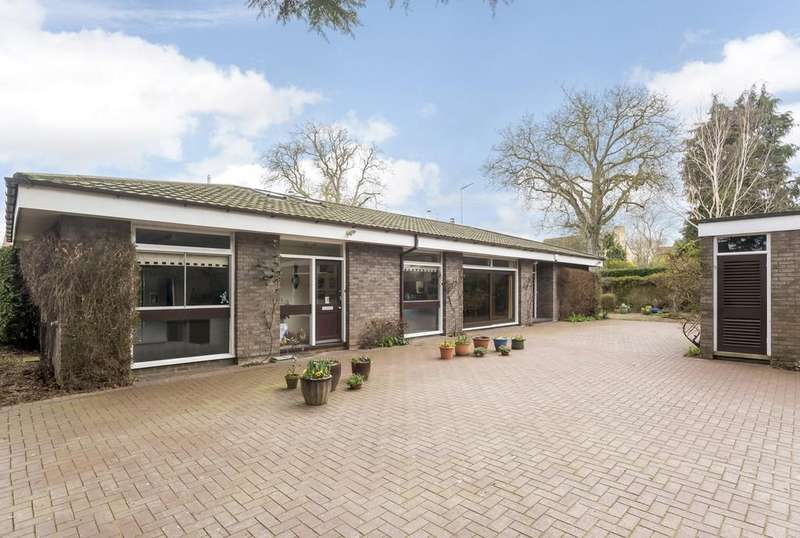 3 Bedrooms Detached Bungalow for sale in Furze Hill, London Road, Shipston-On-Stour