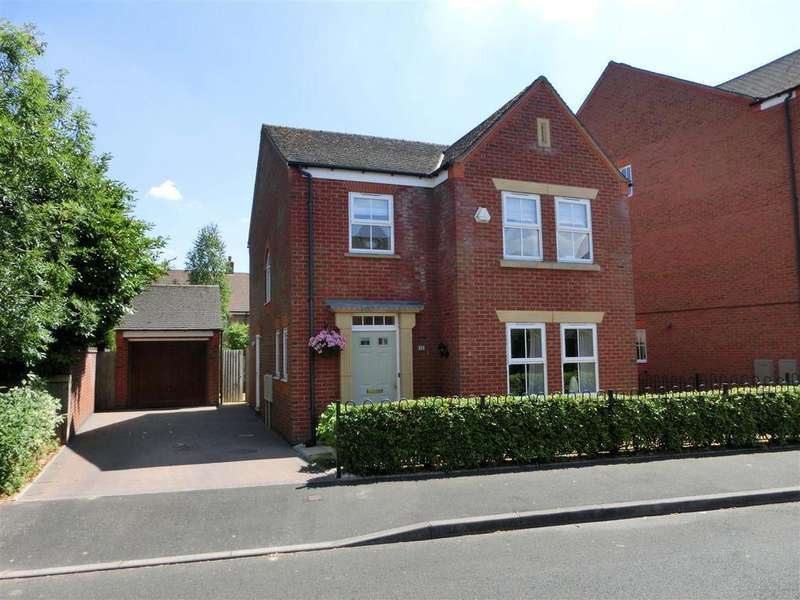 4 Bedrooms Detached House for sale in Three Acres Lane, Dickens Heath, Solihull