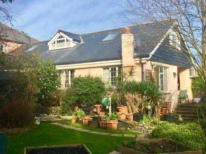 4 Bedrooms Bungalow for sale in Tresillian, Truro, Cornwall