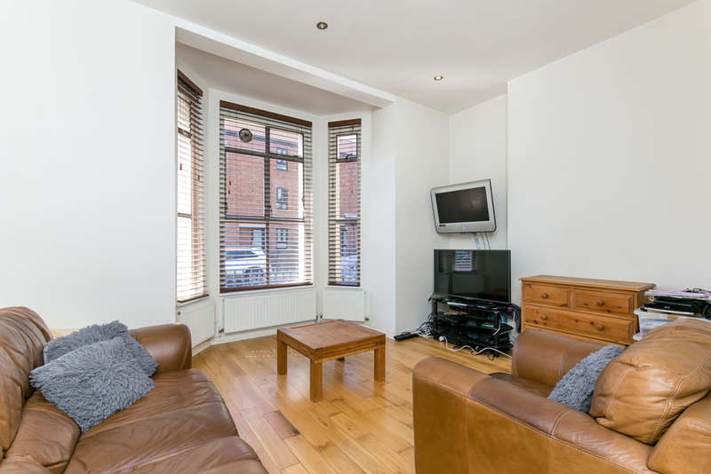 1 Bedroom Flat for sale in Curwen Road, Shepherds Bush