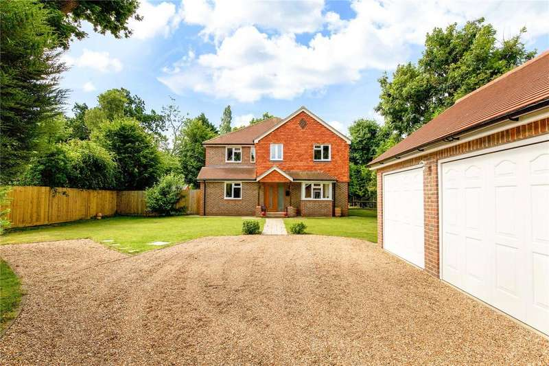 5 Bedrooms Detached House for sale in Folders Lane, Burgess Hill, West Sussex, RH15