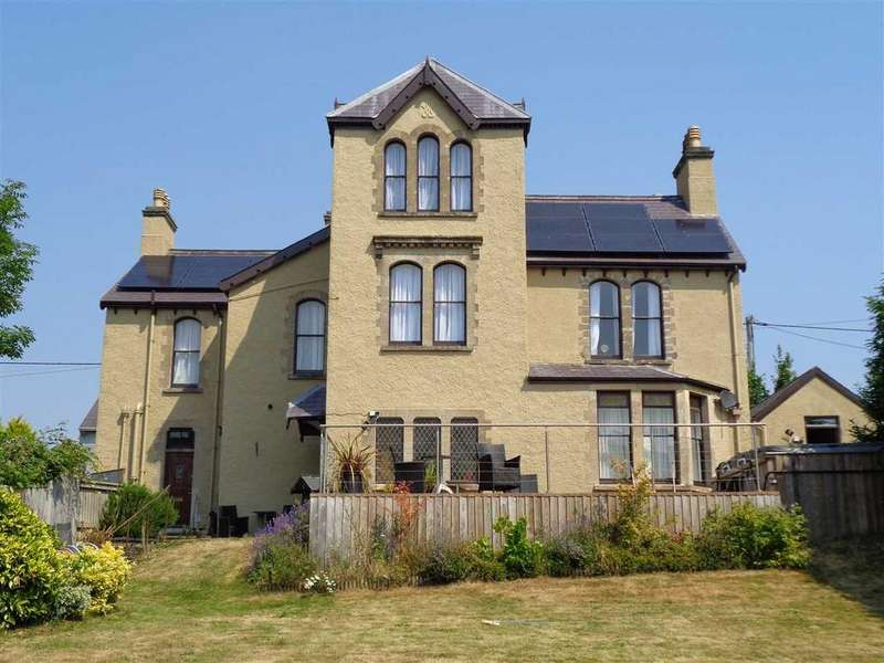 5 Bedrooms Detached House for sale in Devon House, The Green, Pembroke