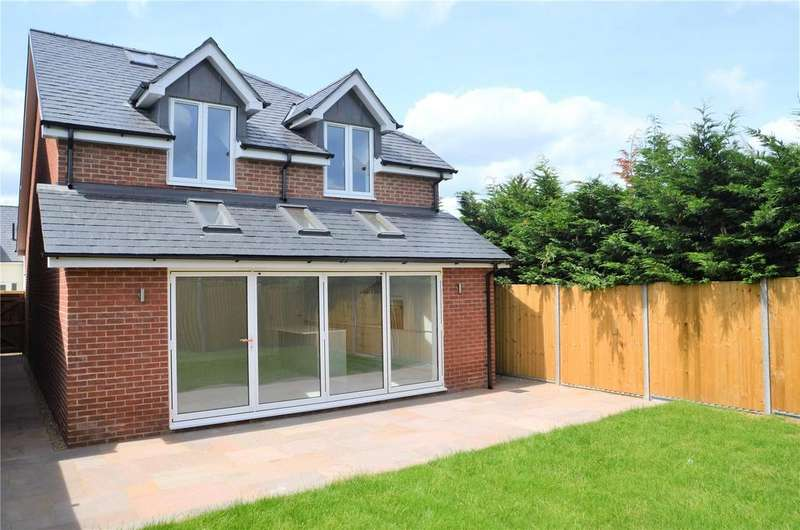 4 Bedrooms Detached House for sale in St Ives Close, Theale, Reading, RG7