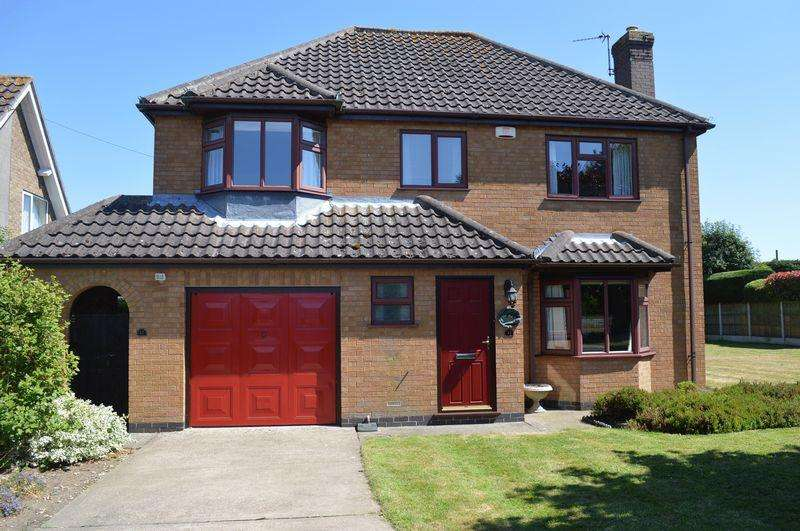 3 Bedrooms Detached House for sale in Grantham Road, Navenby