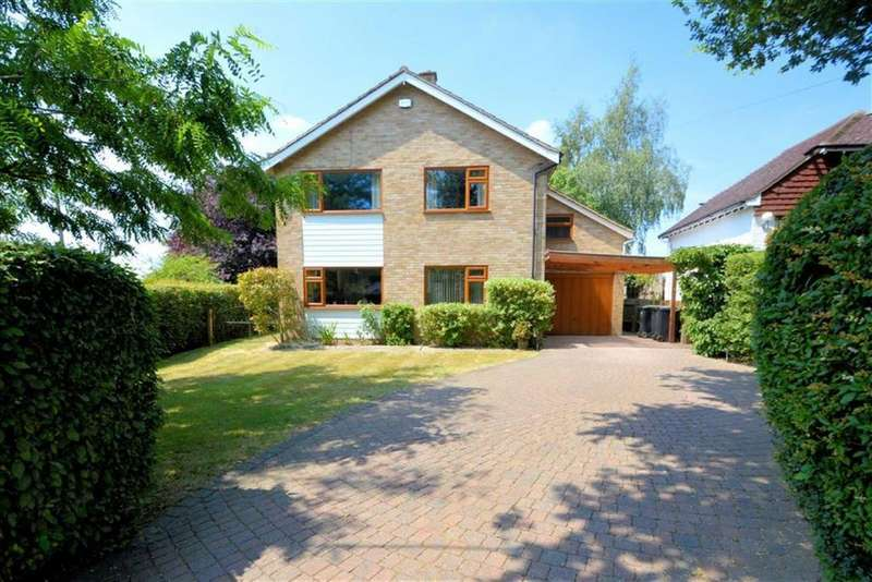 4 Bedrooms Detached House for sale in Theydon Park Road, Theydon Bois, Essex