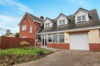 4 Bedrooms Detached House for sale in Rhind Street, Bodmin, Cornwall