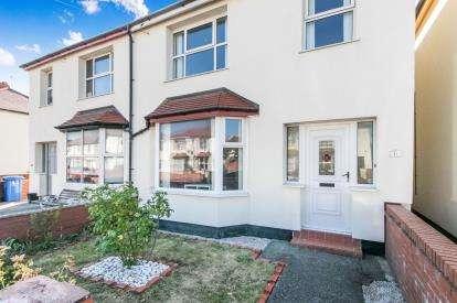 3 Bedrooms Semi Detached House for sale in Ellis Avenue, Rhyl, Denbighshire, LL18