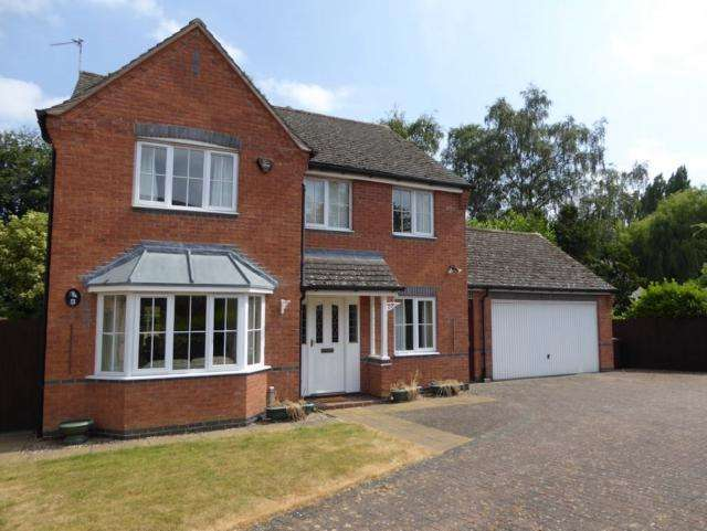 4 Bedrooms Detached House for sale in Ralph Close Loughborough