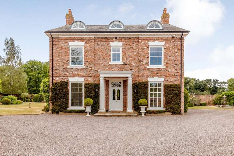 5 Bedrooms Detached House for sale in Rossett, Wrexham
